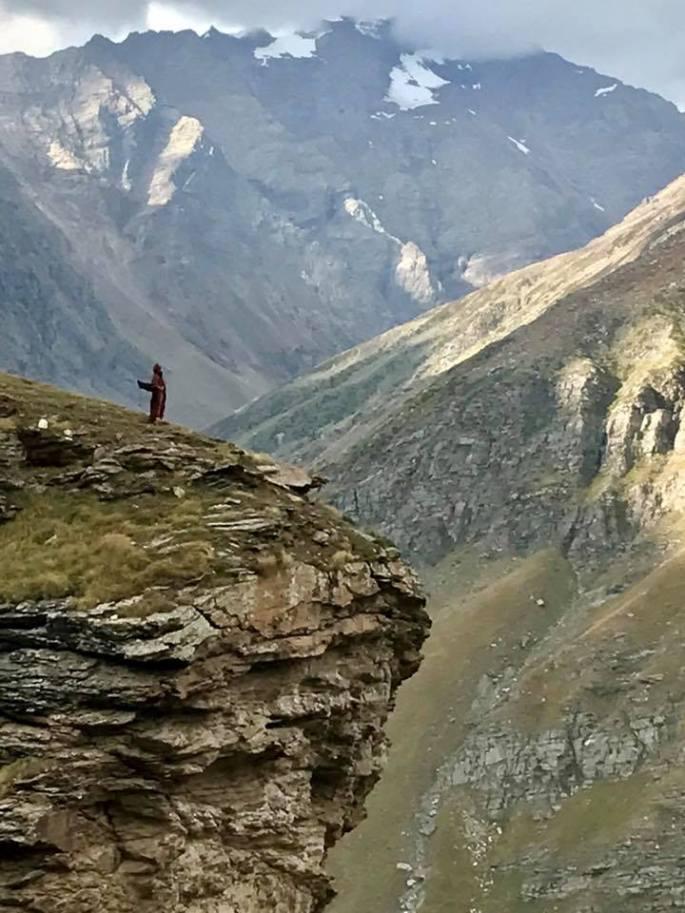 yogi.ji.on.mountain.edge