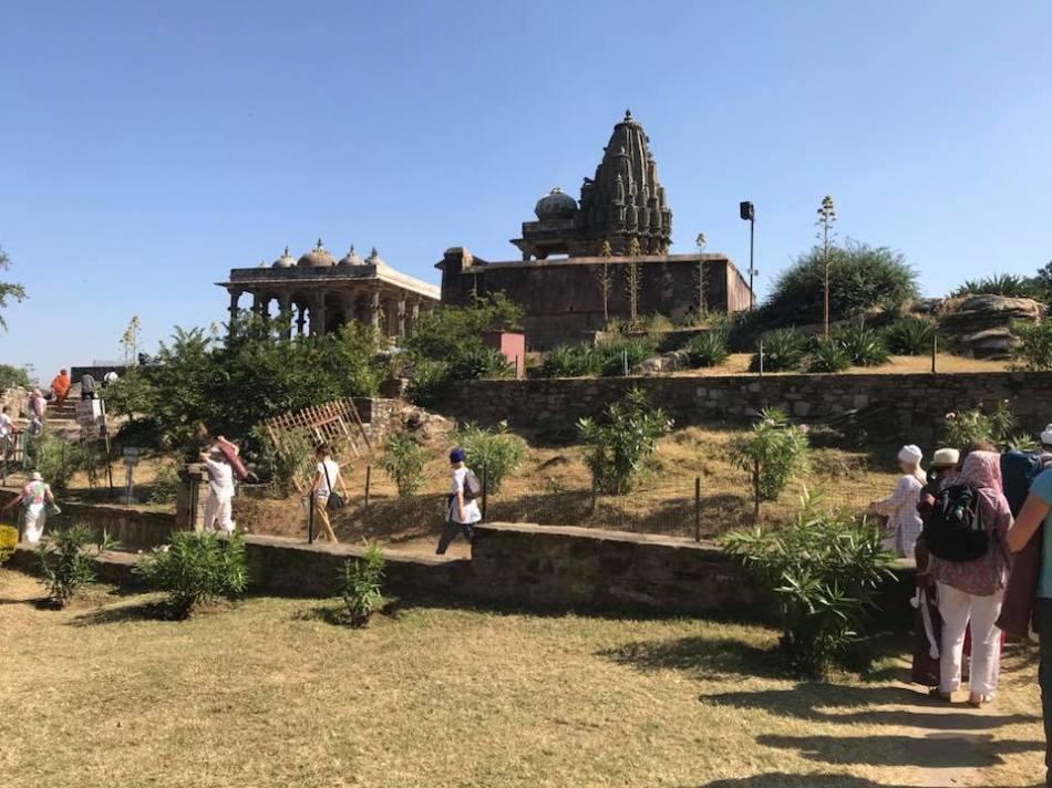 walking.in.Kamalgarh
